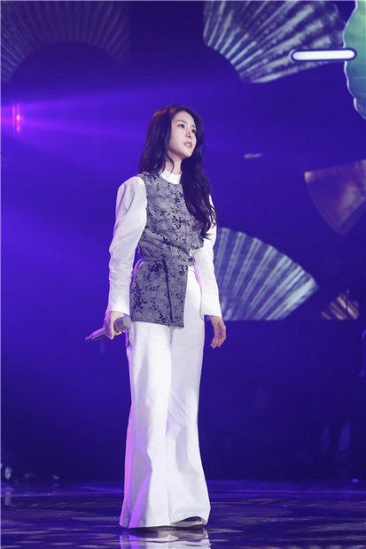 《我想和你唱》杨宗纬张碧晨同台 对唱《凉凉》