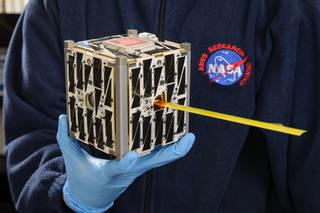 资料图:NASA在2014年打造的立方体卫星。(图片来源:NASA)