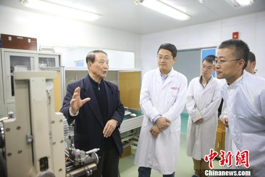 大连理工大学研制1级精度精准齿轮 填补国内外空白
