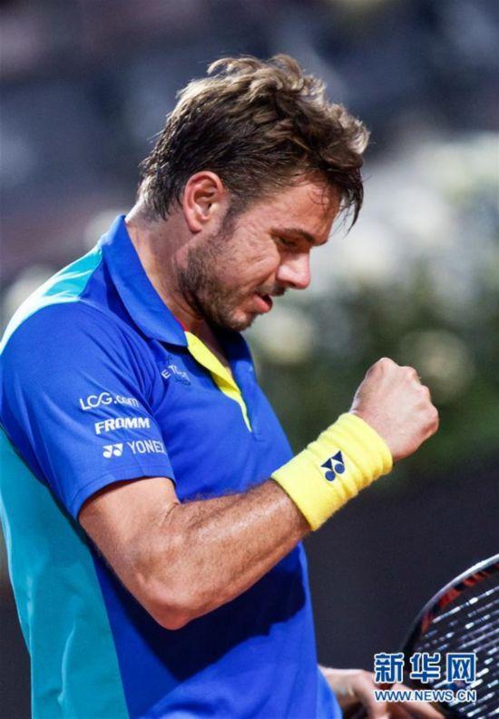 (体育)(2)网球――意大利公开赛:瓦林卡晋级第三轮