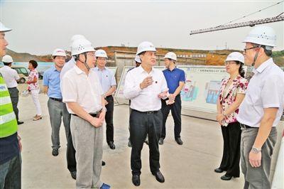 李新元在桂平市调研:全力以赴加快项目建设