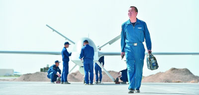 制胜无人机战场——记空军某试验训练基地无人机飞行员李浩