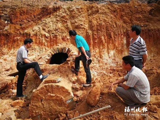 福清市海口镇发现千年古墓 当地首次发现鱼纹砖
