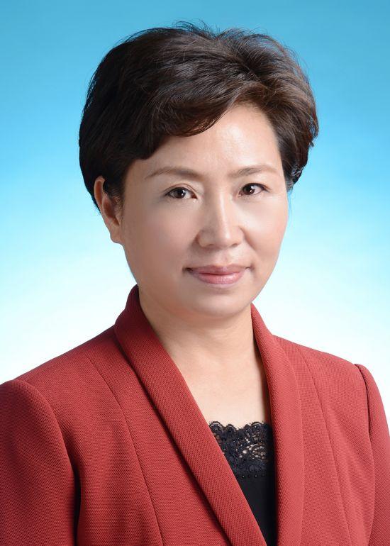 王宇燕-.jpg