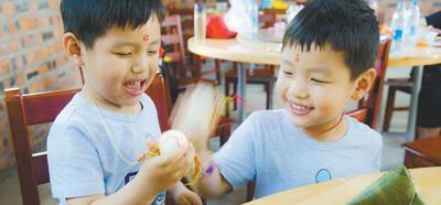 南京端午五红菜:龙虾成新宠 苋菜最资深