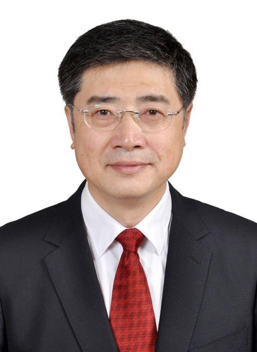 中共中央决定:张政同志任光明日报社总编辑