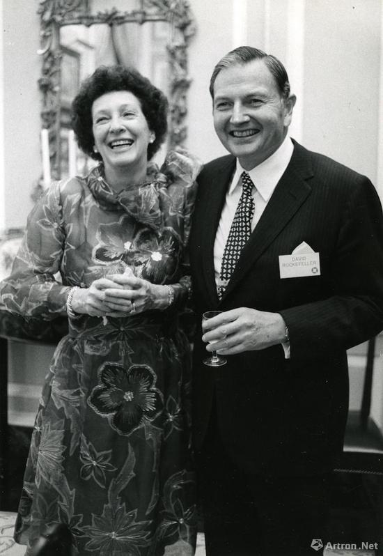 大卫·洛克菲勒夫妇  1973年5月 摄影:洛克菲勒遗产委员会(Rockefeller Estate)Arthur Lavine