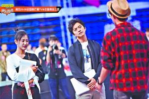 《快乐男声》全国总决赛形式新颖 李健罗志祥陈粒很任性