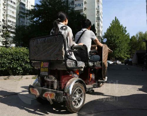 """""""旭辉26 街区""""项目业主张艾和程轩。《中国经济周刊》视觉中心摄影记者 胡巍I 摄"""