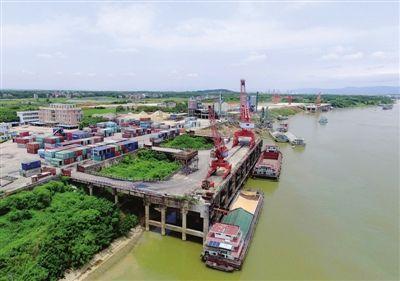 平南县武林港货物吞吐量完成100万吨