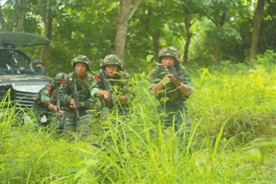 三亚武警野外炼精兵 提升实战化作战水平