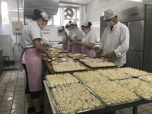 别人家的母校 北师大20万只水饺送毕业生