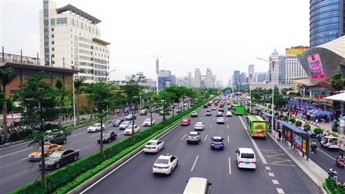 """民族大道升级""""广西壮乡第一路"""" 公共交通无缝对接"""
