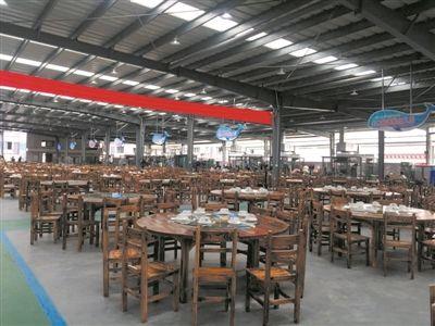三亚再添大型海鲜广场 可容纳7000多人用餐