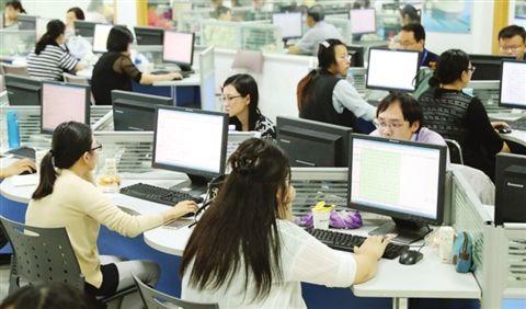 苏州47万份中考试卷开评 记者探访市区阅卷点