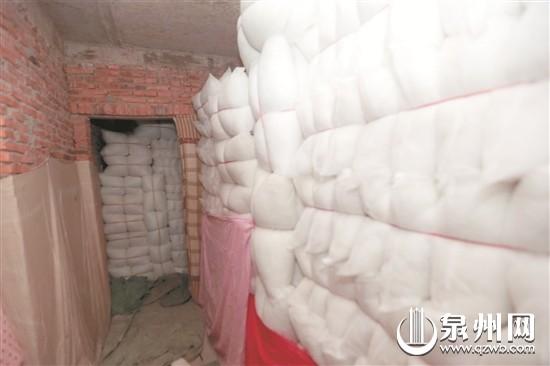 做枕芯的棉多数是服装厂的边角料