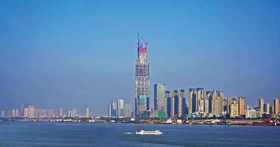武汉绿地中心冲击中国摩天大楼第一高