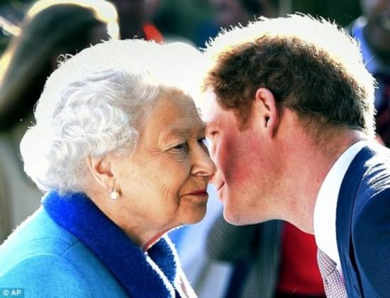 """英国哈里王子自曝一度想要""""脱离""""王室 过普通人的生活"""