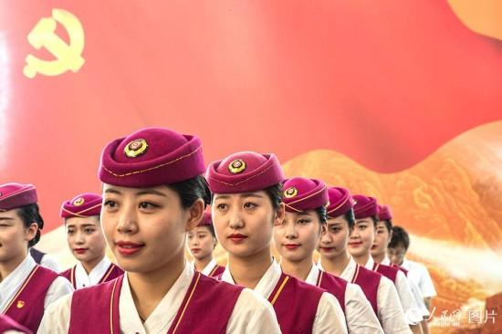 仪式现场(人民网记者 史家民 摄)
