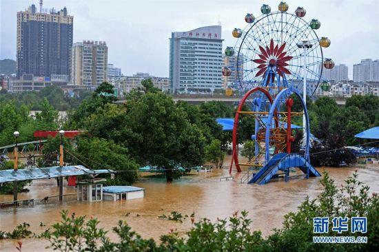 江西局部地区遭遇强降雨