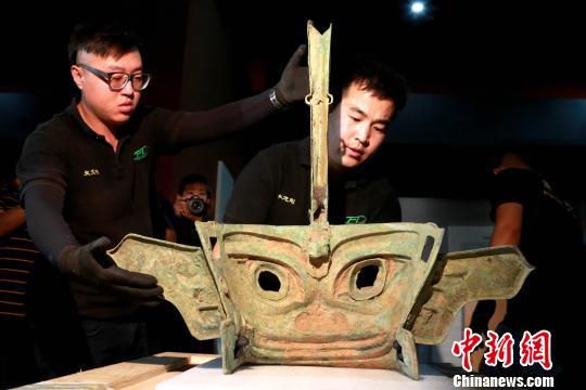 《三星堆、金沙遗址出土文物菁华展》在济南开箱布展