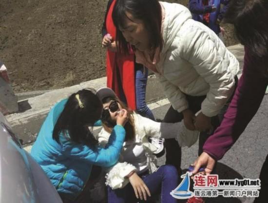 游客突然晕厥 连云港5名护士青藏高原救人
