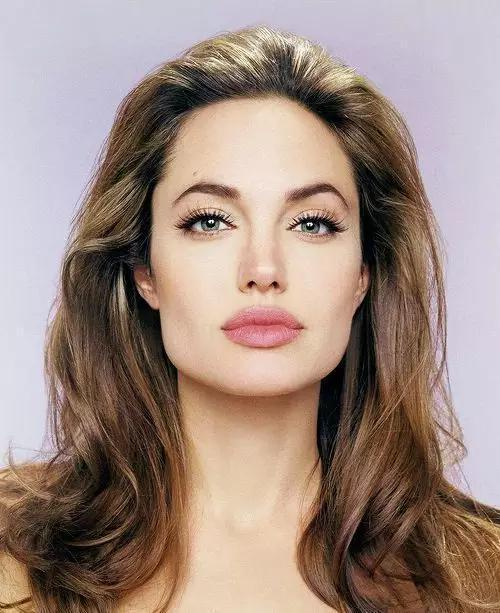 方脸女神容祖儿怎么能美成这样,原来她是这么化妆的