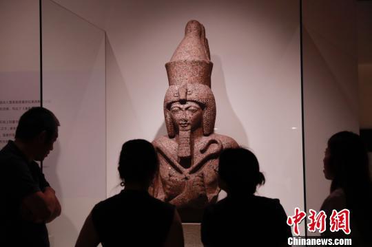 """大英博物馆百物展抵沪""""二维码""""是第101件展品"""