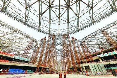8根巨柱撑起5.2万吨钢结构