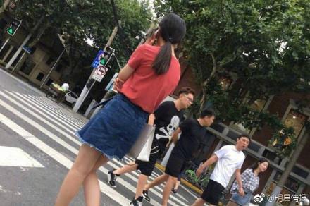 王思聪疑似与豆得儿分手 牵手新妹子又是逛街被拍