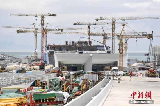 港珠澳大桥主体工程贯通