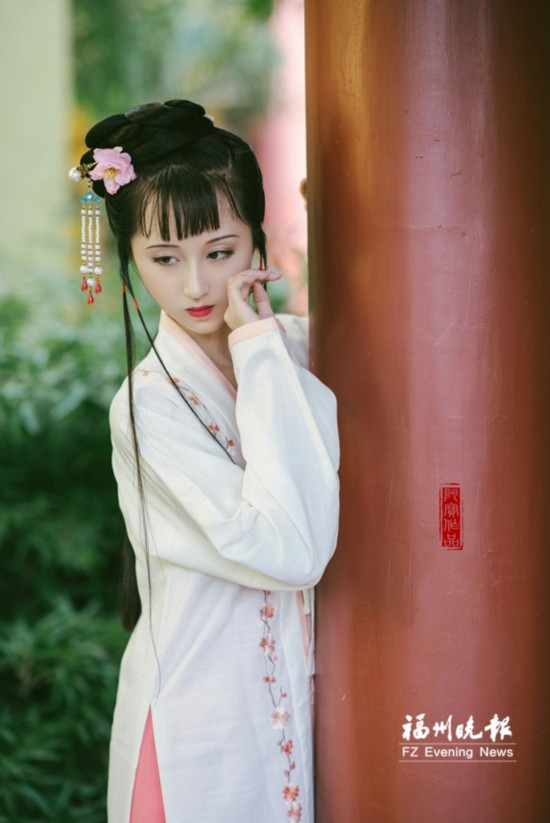 """福州女生神似87年版""""林黛玉"""""""