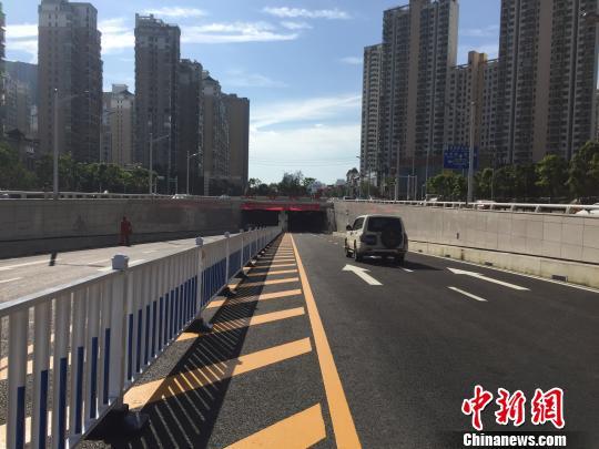 中国内河最大沉管隧道通车穿越赣江最快3分钟(图)