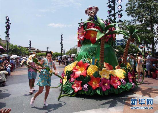 (社会)(1)上海迪士尼推出暑期特别节目吸引游客