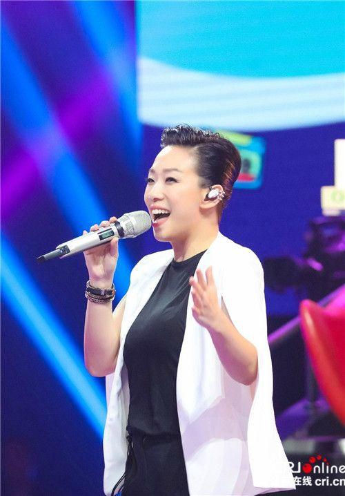《我想和你唱》林忆莲首秀搭档汪涵演越剧