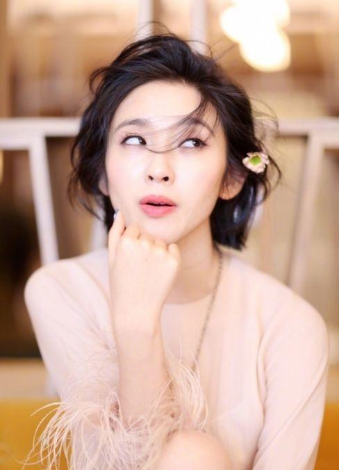 为什么郑爽的短发是学妹头,你的就是村姑范?