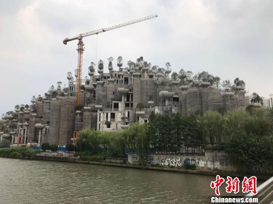 """上海苏州河南岸现""""古巴比伦空中花园""""明年4月竣工"""