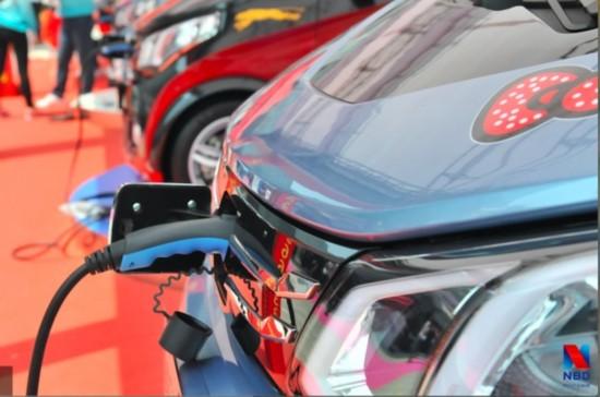 2017年上半年新能源汽车产销21.2万辆和19.5万辆 同比增长明显