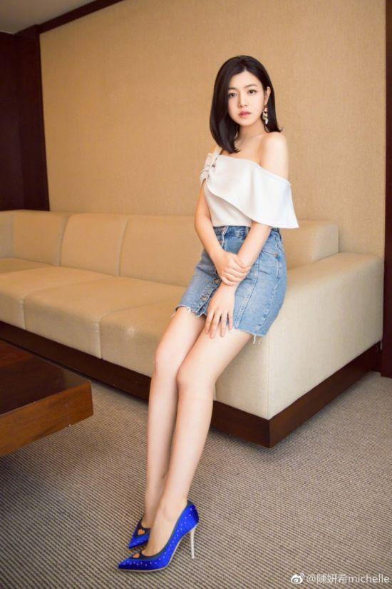 人妻女星晒性感照:王祖蓝老婆身材惊人 安以轩露大腿