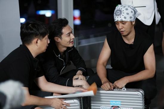 《极限挑战3》男人帮打卡经典地标 感受香江生活