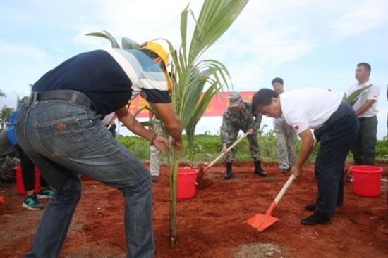 三沙开展岛礁绿化植树活动--人民网海南频道--人民网