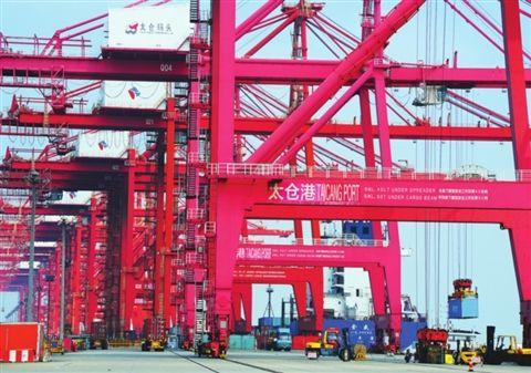太仓港集装箱吞吐量上半年位居江苏全省前列