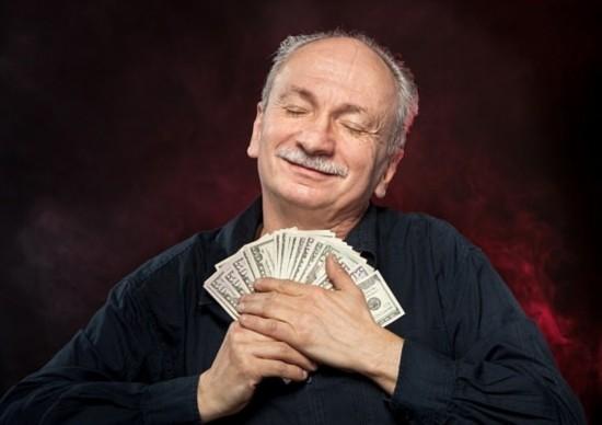 新西兰七旬老人买彩票中5100万 兴奋过度晕厥