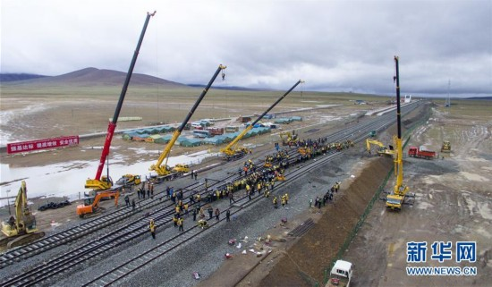 世界海拔最高火车站开启拨接工作