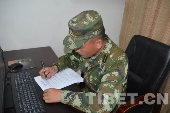 八一建军节 看看西藏的学员排长们想对母校说点啥?