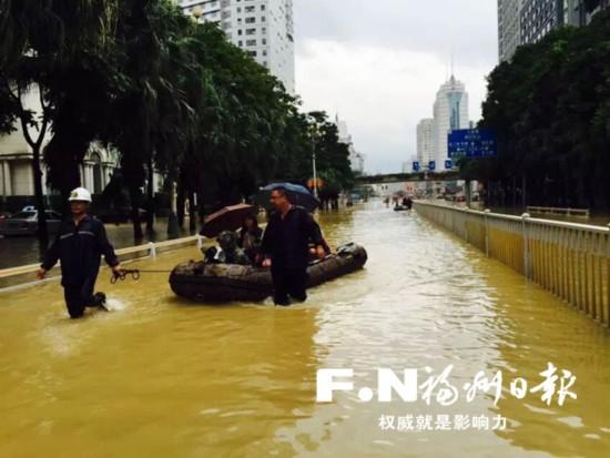 """福州城区""""老涝点""""无恙 排水能力升级人员装备""""蹲守"""""""