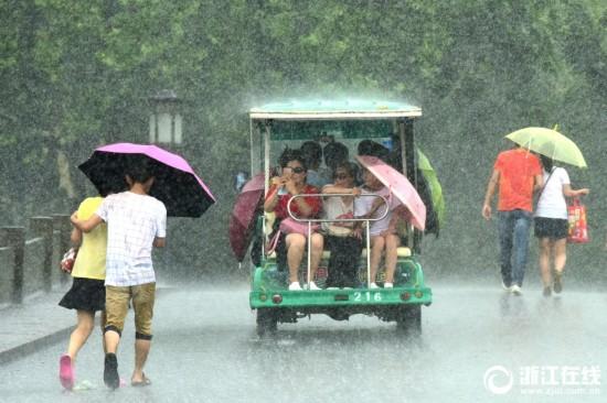 杭州:雨水登场 高温缓解