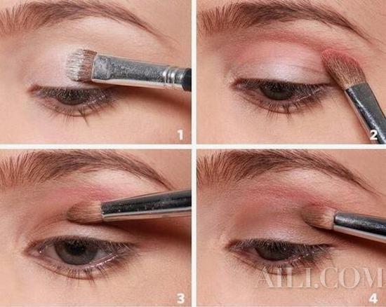 眼影两用法!不仅可以当眼影还可以代替眼线!