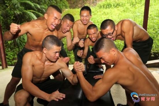 组图:深圳警营掀起全民健身热潮
