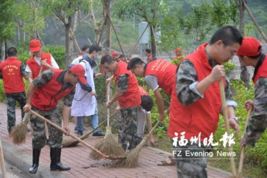福州連江抗擊台風黨員有擔當 下宮鄉24小時轉危為安